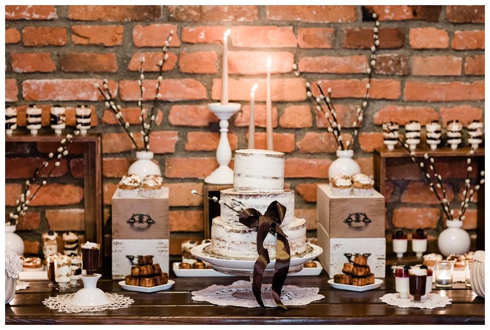 Kačiukų vestuvės. Roberta Drasute. Vestuviu dekoras. Poškynės sodyba. Jurgita Lukos Photography
